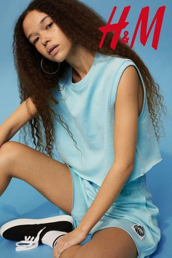 Clothes, Shoes & Accessories offers in the H&M catalogue ( Expires tomorrow)