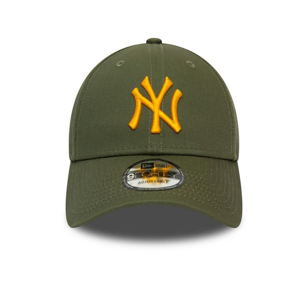 NEW ERA 940 LEAGUE ESSENTIAL NY GREEN offer at R 279,95