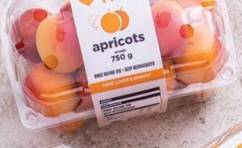 Apricots offer at R 99
