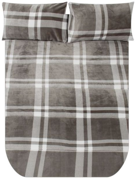 POLYESTER PLUSH COMFORTER offers at R 499,99