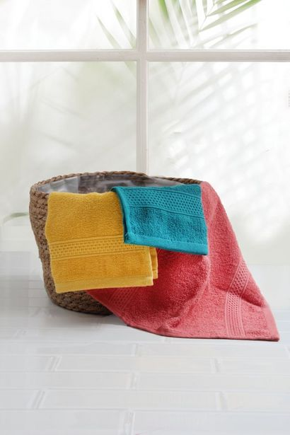 EVERYDAY GUEST TOWEL offers at R 14,99