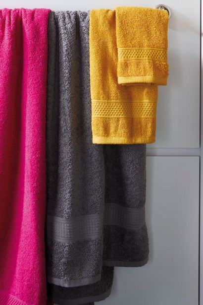 EVERYDAY BATH SHEET offers at R 79,99