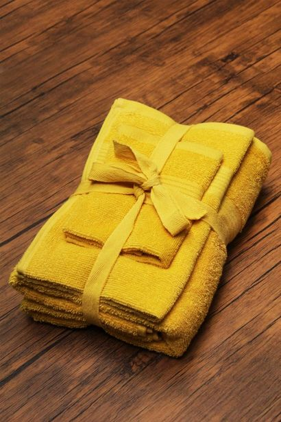 3 PACK EVERYDAY TOWEL SET offers at R 99,99