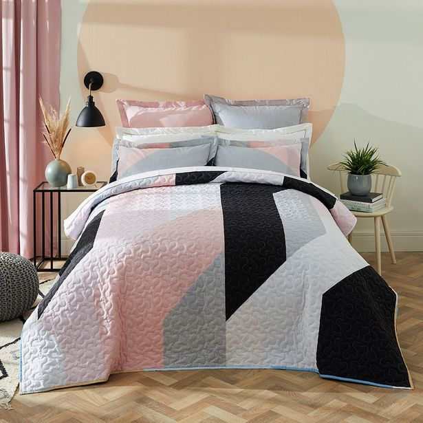 Robin 3-piece Printed Quilt Set offers at R 599