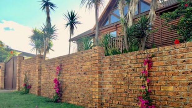 Log Home offers at R 1900