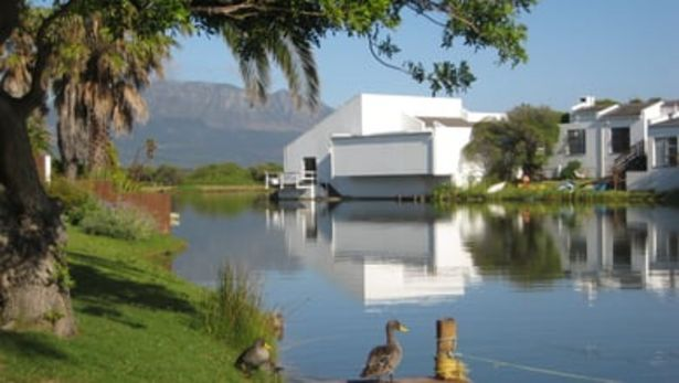 Kingfisher Cottage offers at R 502
