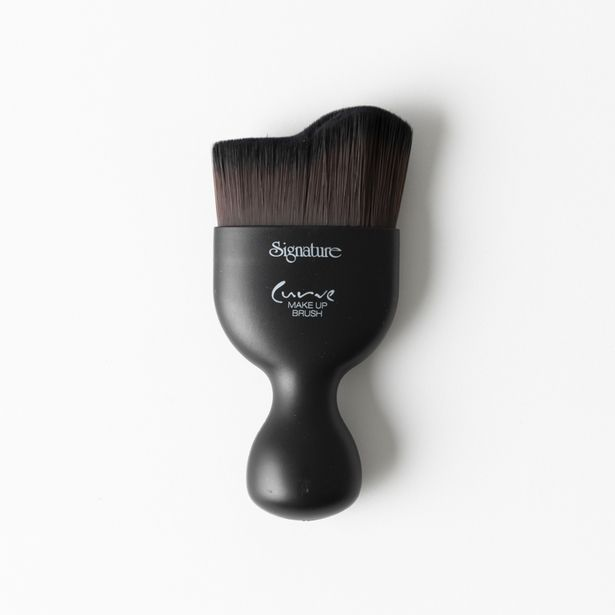 Curve Powder Brush offers at R 59