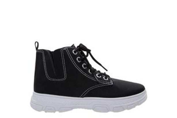 SNEAKER offers at R 139,99