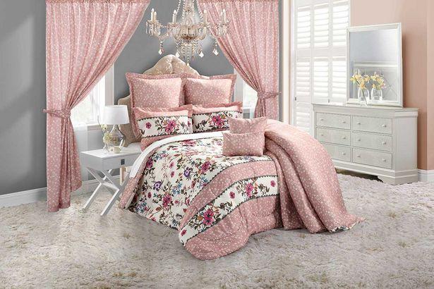 Zoe 5-piece Deluxe comforter set (Queen) - Pink offers at R 1899,99