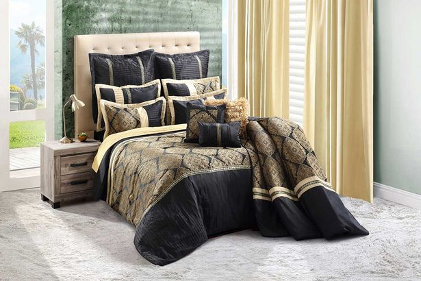 Cleopatra 12-piece Deluxe combo set (Queen) - Black offers at R 3999,99