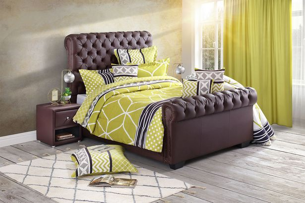 Chicago sleigh bed offers at R 6999,99