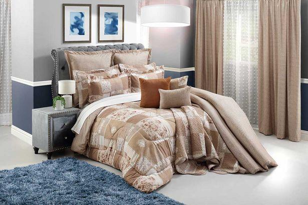 Lyon 10-piece Deluxe comforter set - Queen offers at R 2499,99